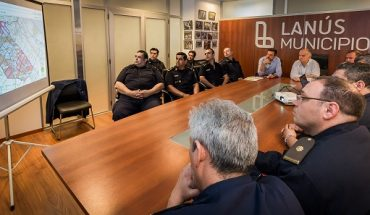 26-10-16-grindetti-presento-nueva-tecnologia-para-el-control-del-patrullaje-policial-en-lanus